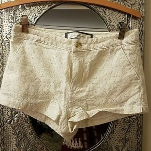 Abercrombie and Fitch White Eyelet Shorts sz 2